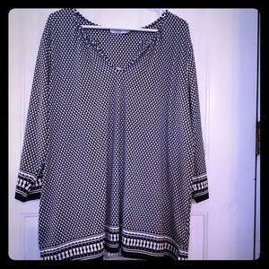 🎃🎃 3/20 Flowy and flattering plus size tunic